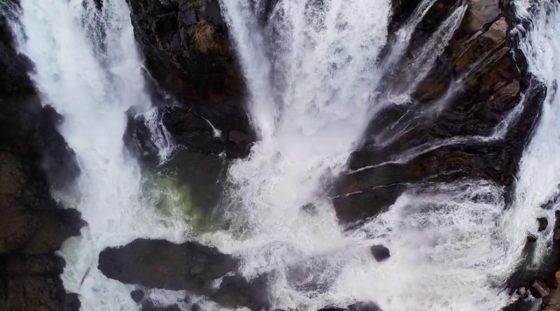 Incredible Waterfall X2