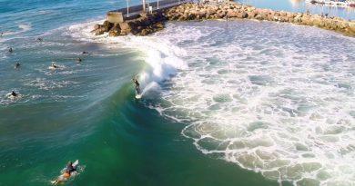 """The Famous """"Sandspit"""" Surf Destination"""